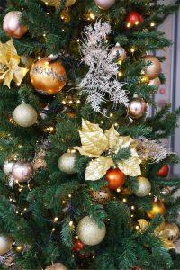 朝霞のクリスマス装飾