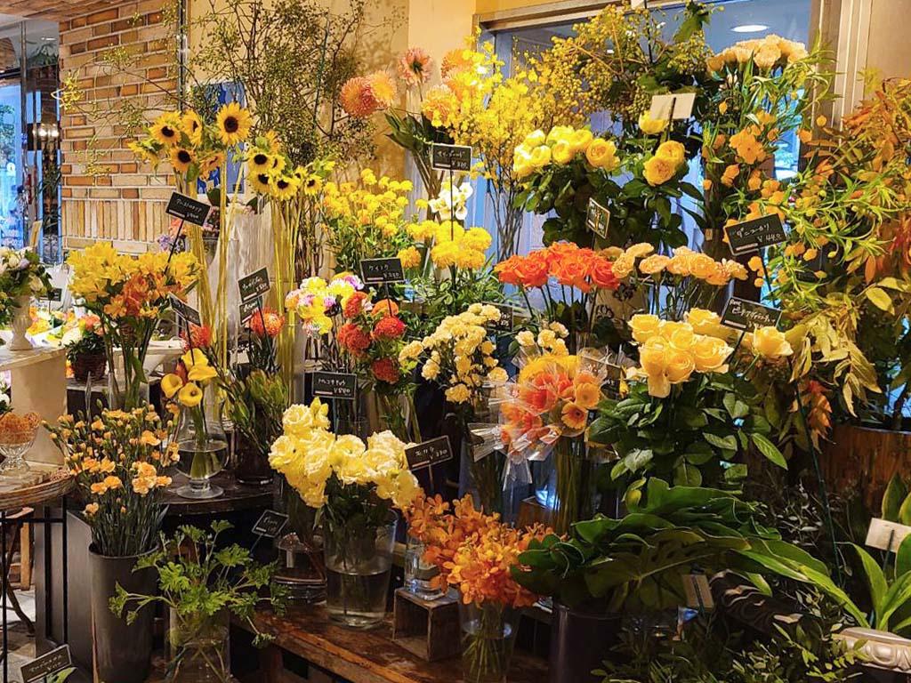 近くの花屋 レミルフォイユドゥリベルテ アトレ吉祥寺店