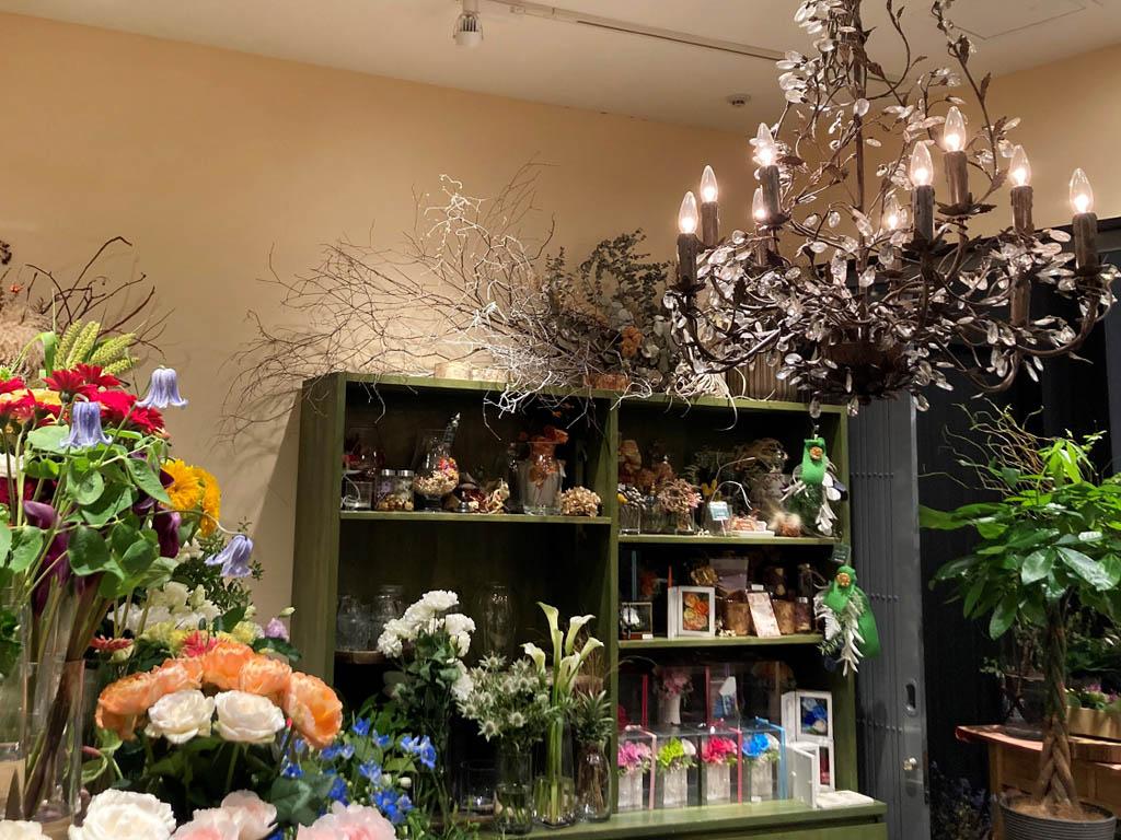近くの花屋 レミルフォイユドゥリベルテ 虎ノ門ヒルズ店